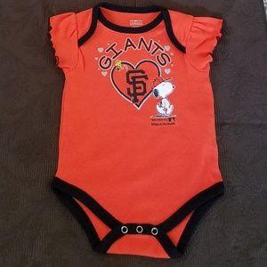 San Francisc Giants /Snoopy Peanuts Onesie 6/9 mos